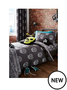 catherine-lansfield-skulls-double-fitted-sheet