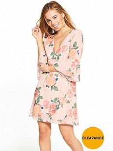 little-mistress-petite-nude-floral-v-neck-flute-sleeve-shift-dress