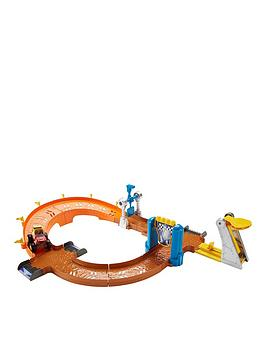 blaze-and-the-monster-machines-blaze-to-victory-speedway
