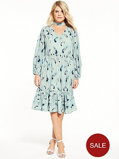 lost-ink-curve-smock-dress-in-sleepy-feather-print