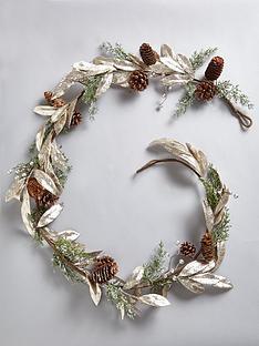 gold-leaf-christmas-garland