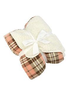 love-home-tartan-sleeved-blanket