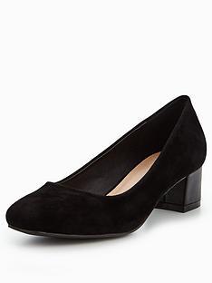 wallis-cherie-low-heel-block-court