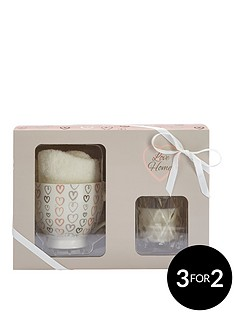 love-home-love-home-candle-mug-amp-sock-set