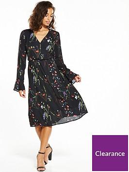 vero-moda-petite-florence-bell-sleeve-dress