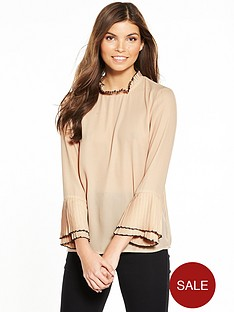 yas-ebony-long-sleeve-top-shifting-sand