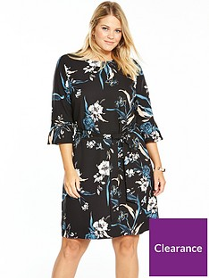 v-by-very-curve-printed-fluted-sleeve-dress