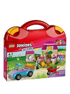 lego-juniors-mias-farm-suitcase-10746