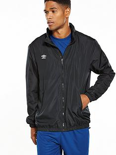 umbro-essential-light-rain-jacket