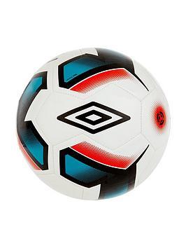 umbro-neo-trainer-football