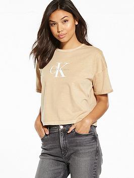calvin-klein-jeans-true-icon-teco-18a-short-sleeved-t-shirt