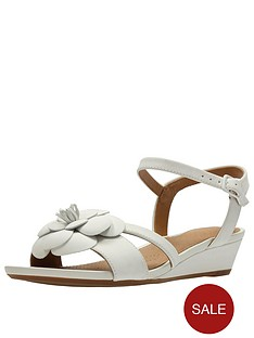 clarks-clarks-parram-stella-flower-low-wedge-sandal