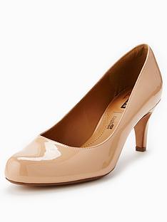 clarks-arista-abe-court-shoe