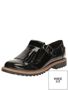 clarks-griffin-mia-wide-fit-loafer