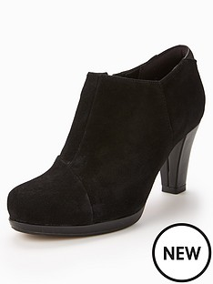 clarks-clarks-chorus-jingle-ankle-boot