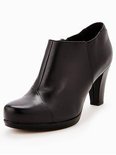 clarks-chorus-jingle-ankle-boot-black