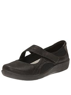 clarks-sillian-bella-wedge-shoe