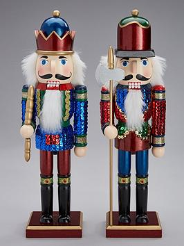 gisela-graham-set-of-2-painted-wooden-nutcracker-soldiers