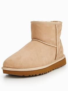 ugg-classic-mini-il-boot-sand