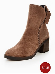 ugg-fraise-whipstitch-ankle-boot