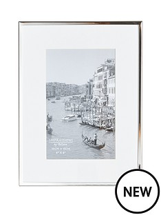 silver-plated-white-border-photo-frame