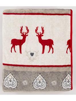 cascade-home-printed-christmas-reindeer-fleece-throw