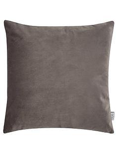 ideal-home-luxury-opulence-cushion
