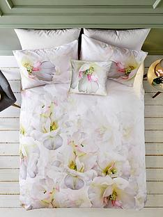 ted-baker-gardinia-quilt-cover-db