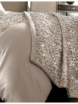 kylie-minogue-helene-bedspread-throw