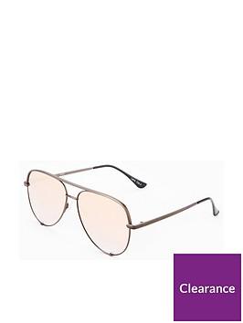 quay-australia-high-key-x-desi-perkins-sunglasses-pink-lenses