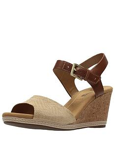 clarks-helio-jet4-wide-fit-wedge-sandal-nude