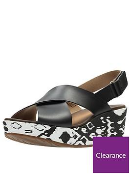 clarks-stasha-wide-fit-hale4-chunky-wedge-sandal-black