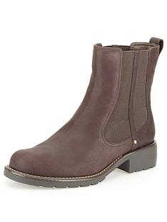 clarks-orinoco-club-leather-ankle-boot-burgundy