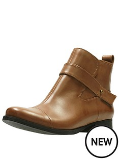 clarks-ladbroke-magic-ankle-boot