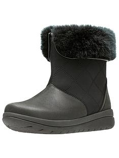 clarks-clarks-cabrini-reef-faux-fur-warm-flat-ankle-boot