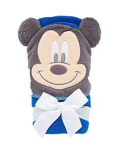 mickey-mouse-hooded-towel
