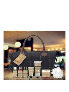 baylis-harding-fuzzy-ducknbspfor-her-weekend-bag-gift-set