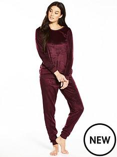 v-by-very-soft-fleece-two-piece-pyjama-set-burgundy