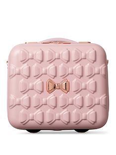 ted-baker-beau-pink-vanity-case
