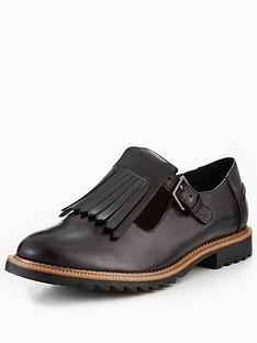 clarks-griffin-mia-fringe-flat-shoe-black