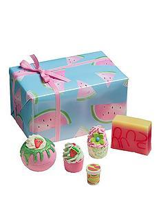 bomb-cosmetics-thanks-a-melon-gift-set
