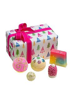 bomb-cosmetics-oh-christmas-tree-gift-set