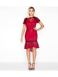 paper-dolls-paper-dolls-soft-lace-peplum-hem-contrast-trim-dress