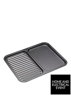 masterclass-non-stick-divided-baking-tray