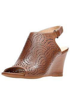 b7caf1b68505 Clarks Raven Dawn Wooden Heel Wedge Leather Sandal - Tan