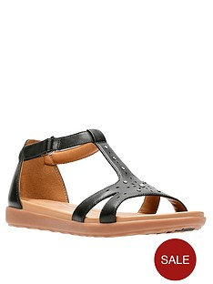 84a82d885cb50 Clarks Un Reisel Mara Gladiator Flat Sandal - Black Leather