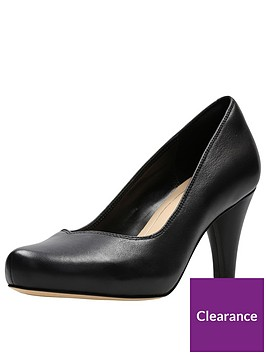 clarks-dalia-rose-wide-fit-platform-court-shoe