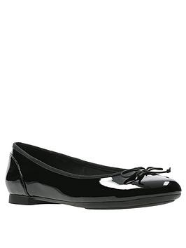 Clarks Clarks Couture Bloom Ballerina - Black Patent Picture