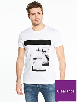 v-by-very-photographic-tee