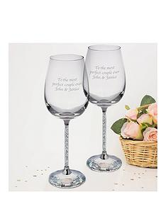 personalised-set-2-wine-glasses-filled-with-crystal-stems